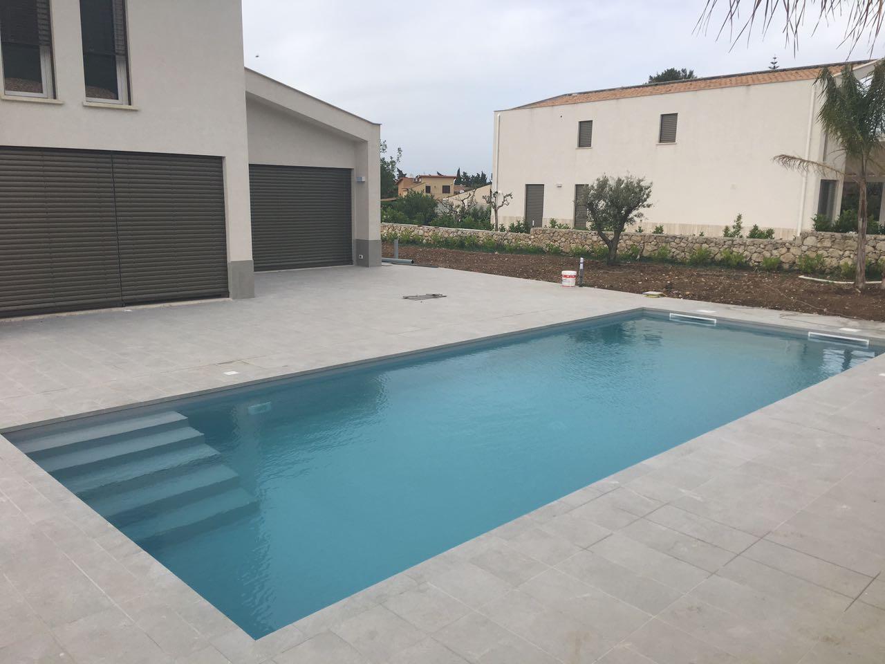piscina 10x4 skimmer telo grigio scala interna piscine